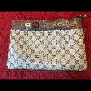 100% Authentic Vintage Gucci Crossbody Bag